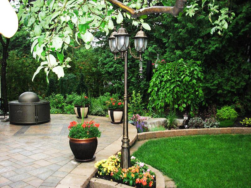 courtyards, flower beds, trees, perennials, lamp post